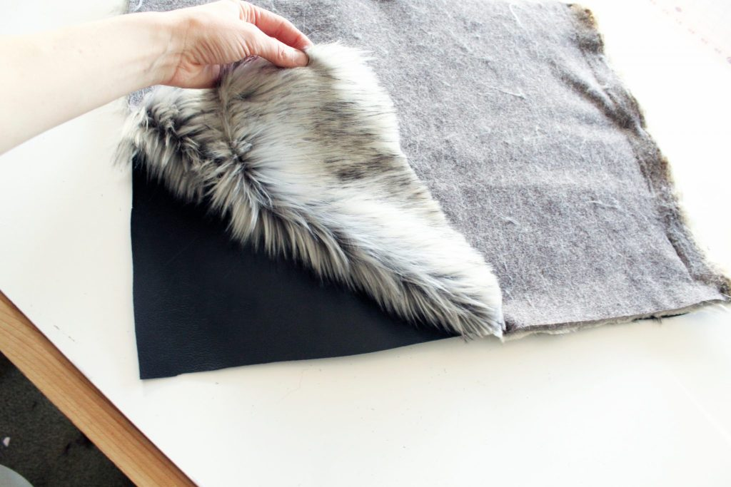 How to make a freversible tote with fur and leather...