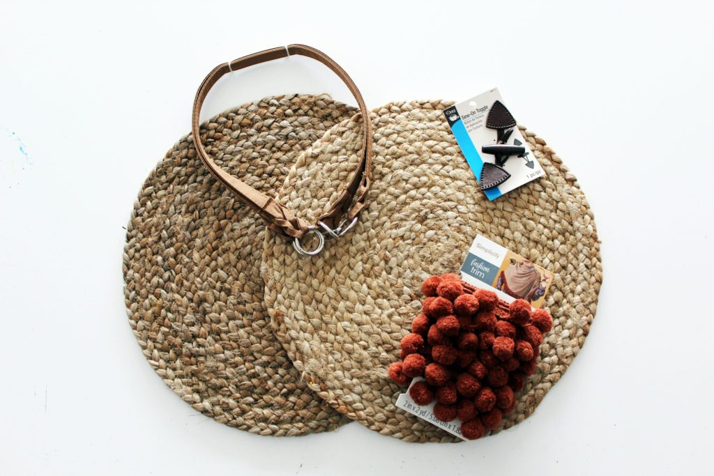 How to make a straw woven purse from a recycled decorative charging plate