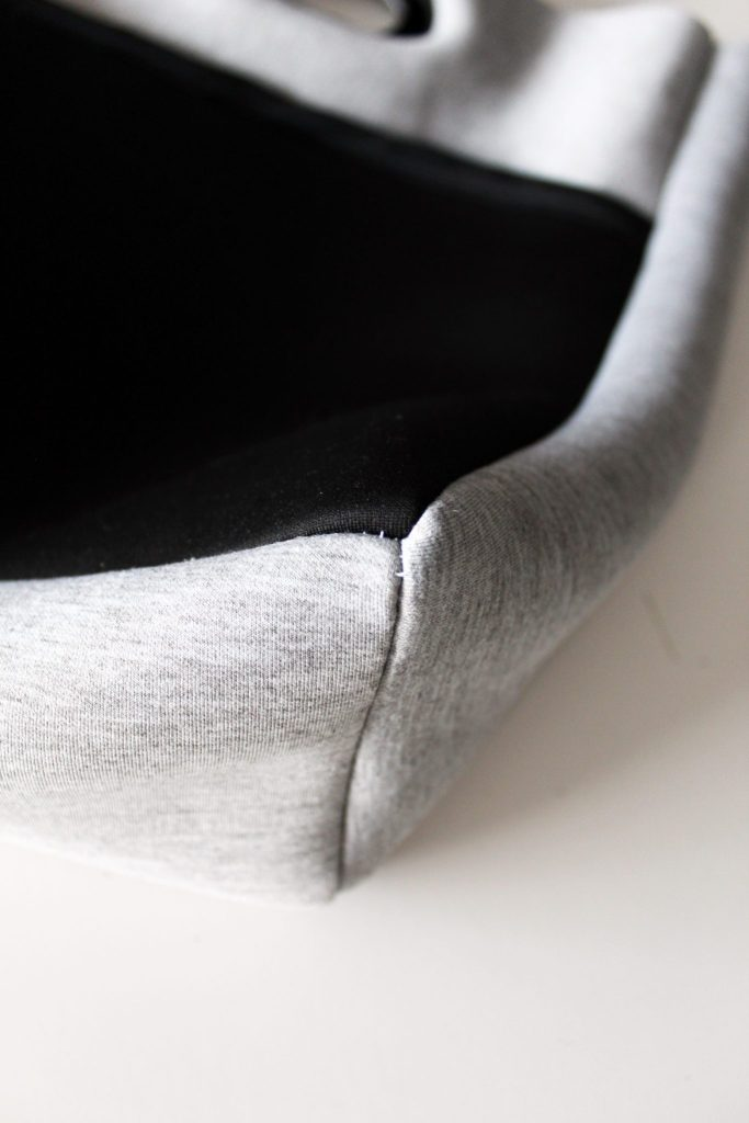 How to sew a neoprene tote from scratch