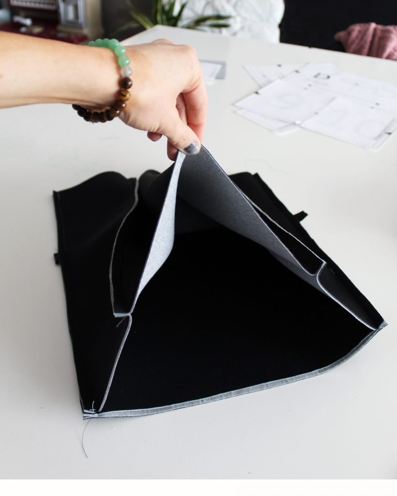 How to sew a structured neoprene tote bag from scratch with pattern