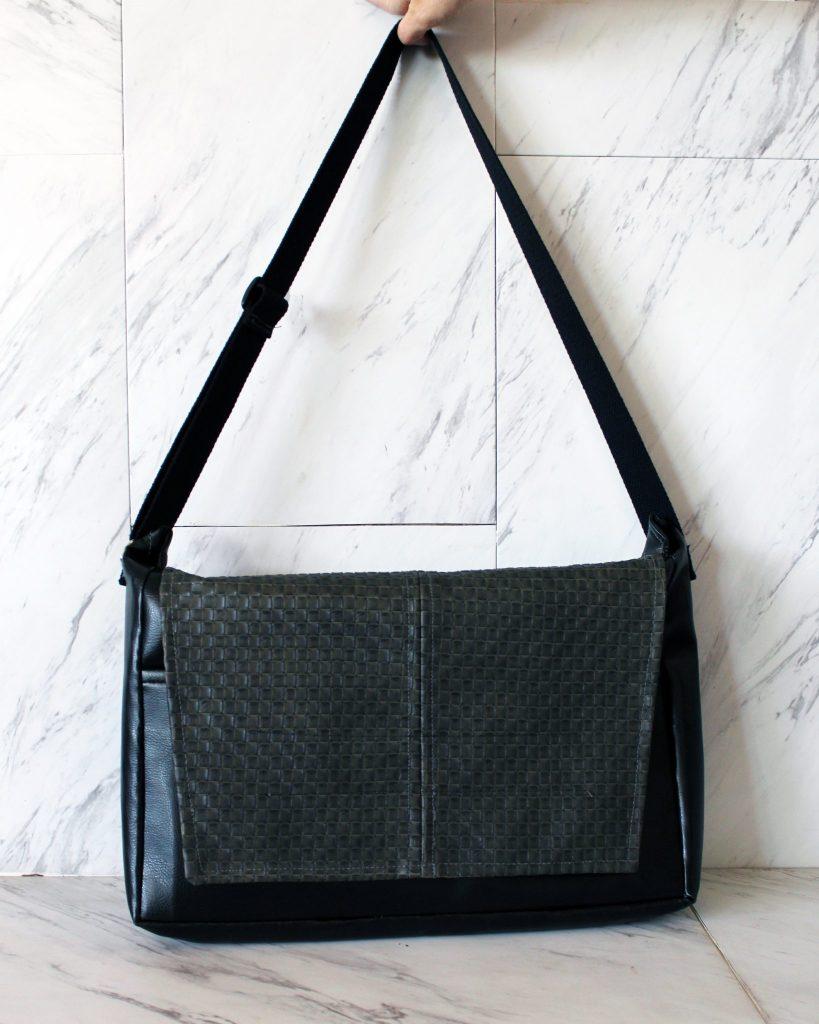 7 finished DIY messenger bag