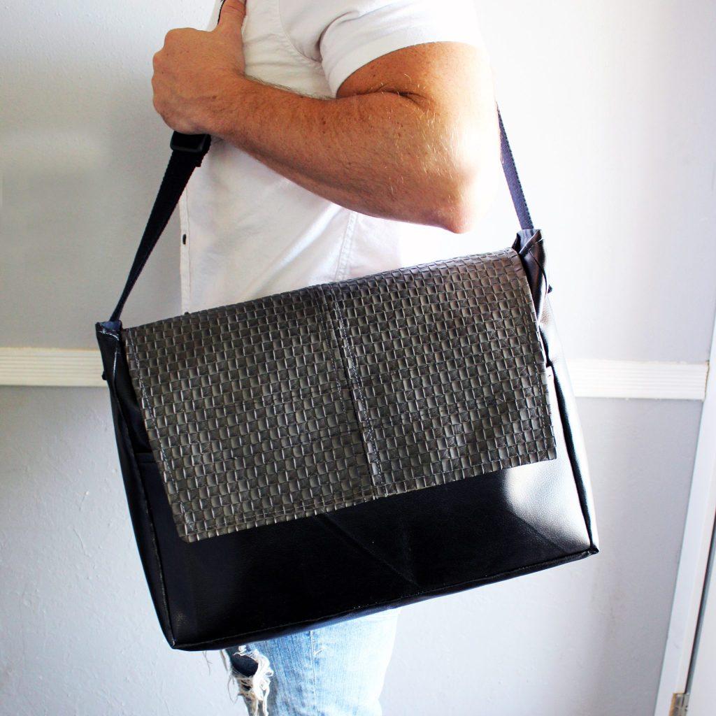 finished DIY messenger bag