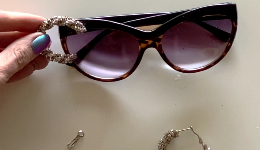 how to refashion sunglasses with rhinestones