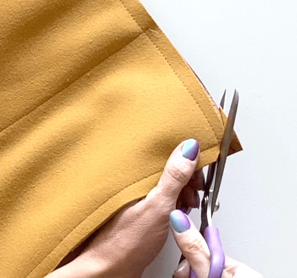 leather laptop pouch DIY tutorial step 12