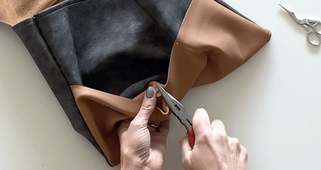 leather laptop pouch DIY tutorial step 5