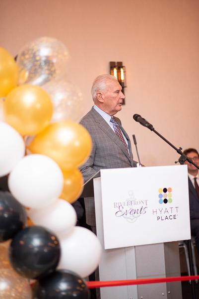 Mayor Mike Purzycki addressing guests