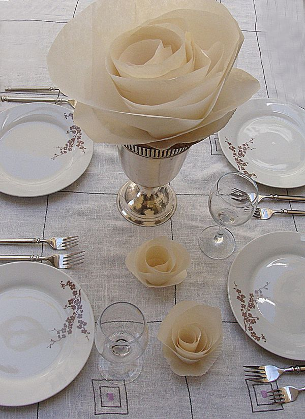 Set A Simply Elegant Table With Paper Roses  creative