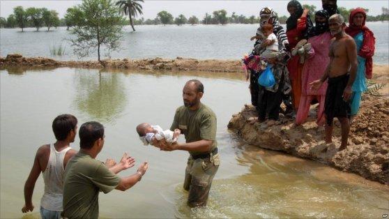 flood in pakistan 2014