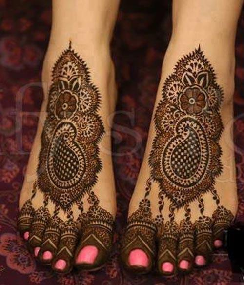 bridal henna design for feet