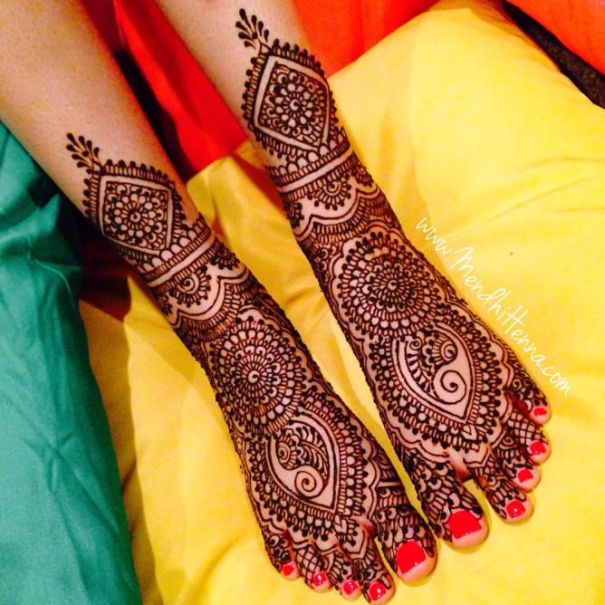 heavy bridal feet mehndi