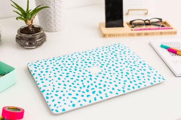 DIY wallpaper laptop cover