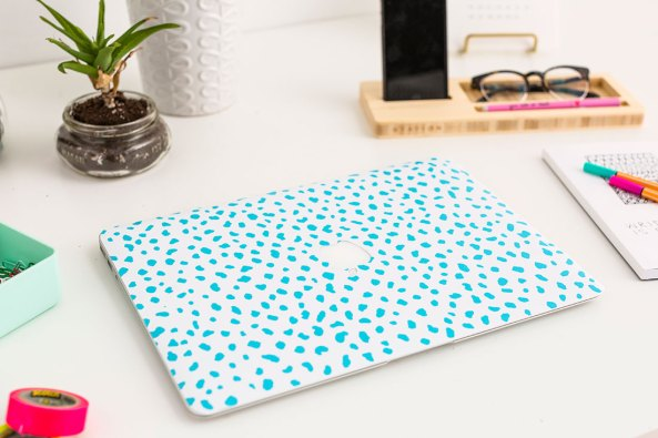 DIY wallpaper laptop cover
