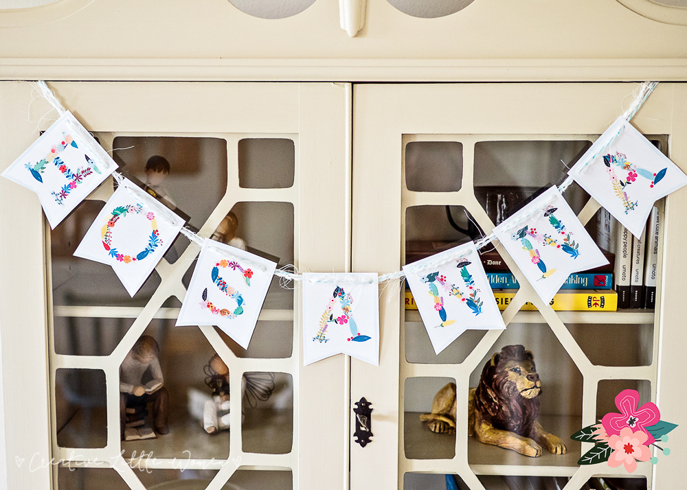 Easter banner printable. Simple decorations for Easter / Spring time.