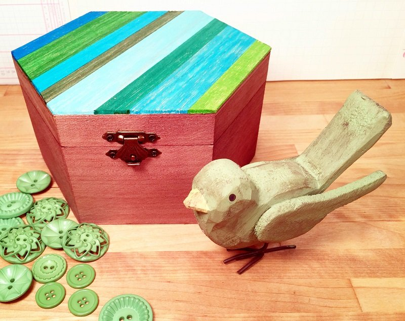 HOW TO STAIN A WOODEN BOX WITH MARKERS BY BETH WATSON