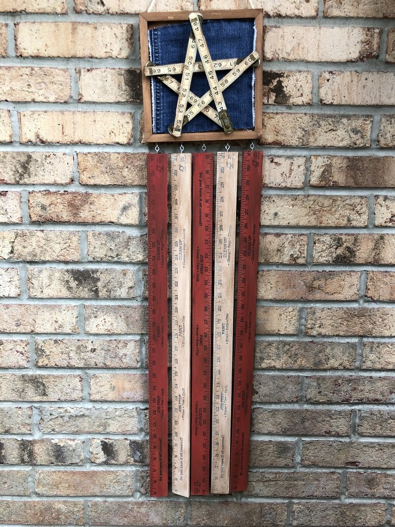 Create a vintage ruler american flag door hanger with supplies from the hardware store and my favorite DecoArt paints! #americanflag #creativelybeth #decoart