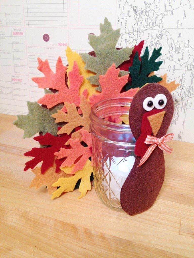 Creatively Beth Kid Craft Thanksgiving Turkey Votive made from felt #creativelybeth #thanksgivingcrafts #turkeycrafts #kidscrafts #feltcrafts