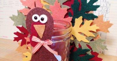 Creatively Beth DIY Thanksgiving Turkey Votive #creativelybeth #thanksgivingcrafts #turkeycrafts #kidscrafts #feltcrafts