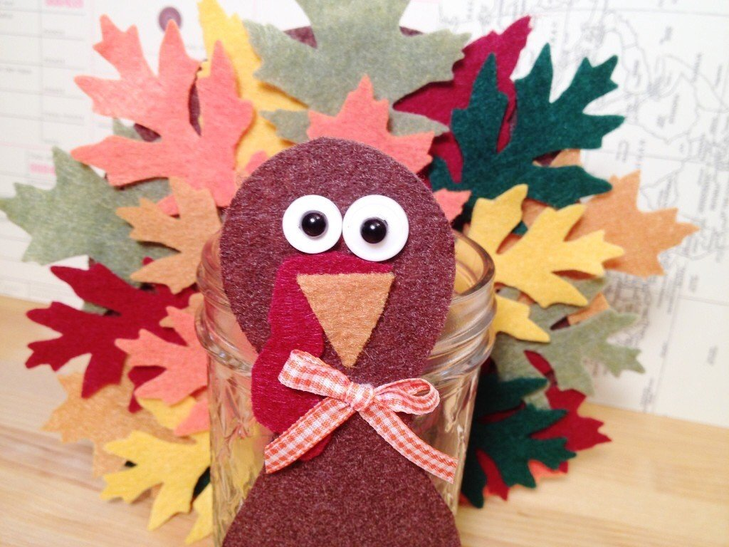 Creatively Beth add buttons, pearls, bow and features to finish felt votive #creativelybeth #thanksgivingcrafts #turkeycrafts #kidscrafts #feltcrafts