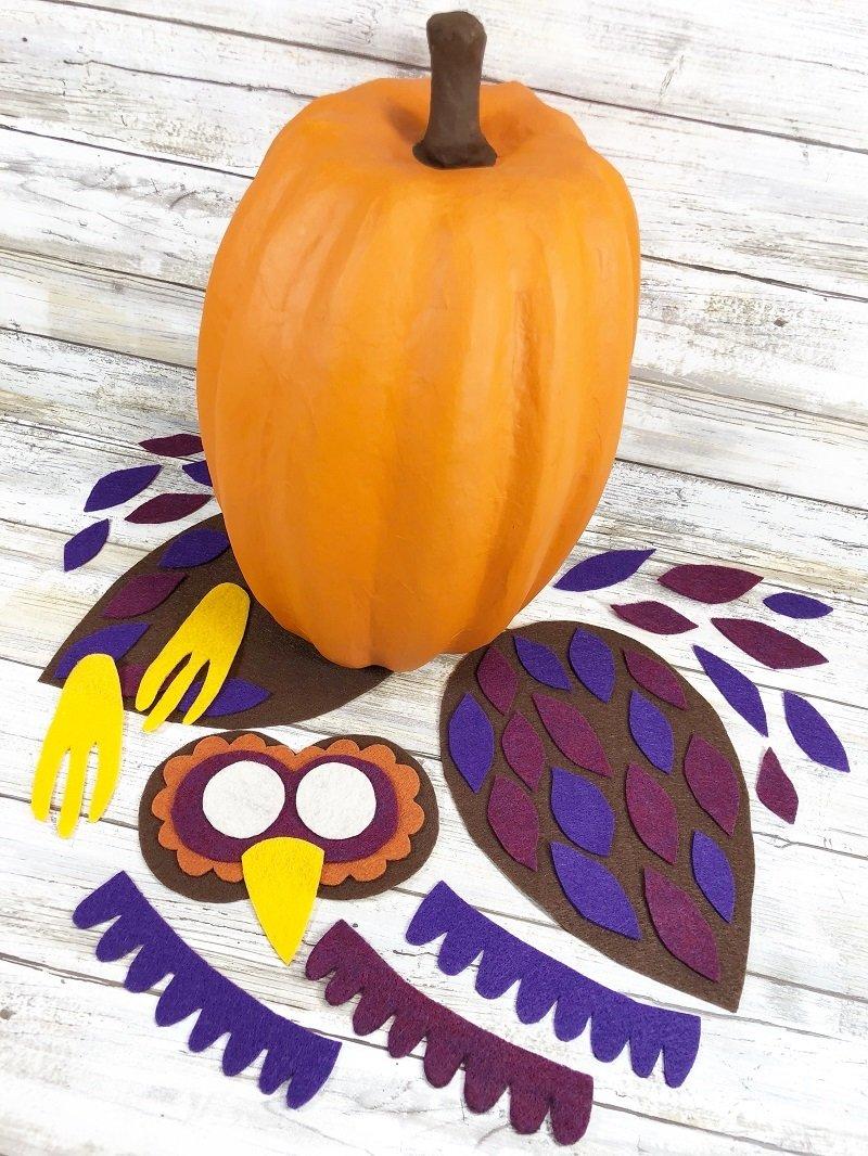 Creatively Beth Kunin Felt pieces needed to create an owl pumpkin