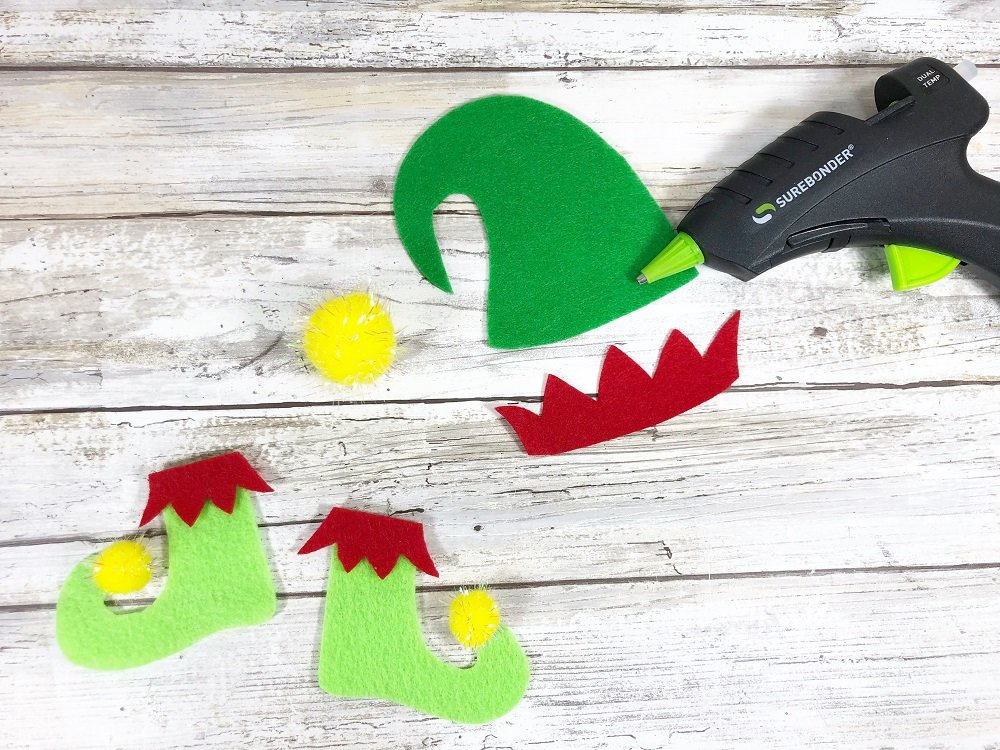 ElfCreate Elf Hat and Boots from Felt #creativelybeth #createwithkunin #christmascrafts #feltgarland