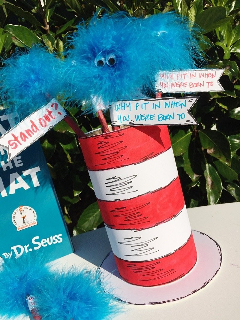 Cat in the Hat Pencil Holder with Thing 1 and Thing 2 Pencils Creatively Beth #creativelybeth #catinthehat #drseuss #thing1andthing2 #kidscrafts
