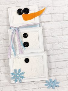Dollar Tree Picture Frame Snowman Creatively Beth #creativelybeth #dollartreecrafts #snowmancrafts #kidscrafts #wintercrafts