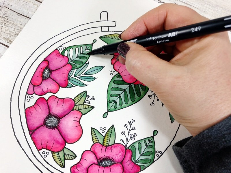 Apply color directly and then blend with the water brush Creatively Beth #creativelybeth #freeprintable #handdrawn #watercolor #tombowdualbrushpens