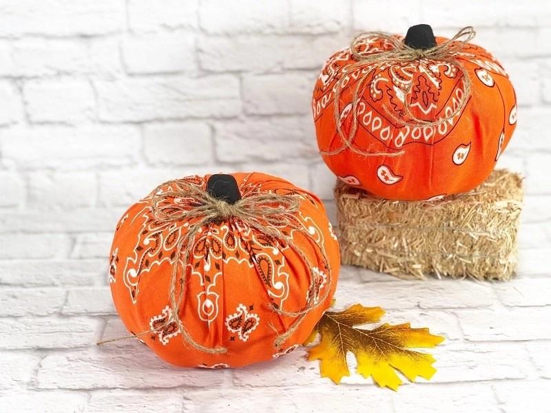 How to make Dollar Tree Bandana Pumpkins for Autumn Creatively Beth #creativelybeth #dollartree #bandanacrafts #crafts #pumpkin #falldecor #autumndecor