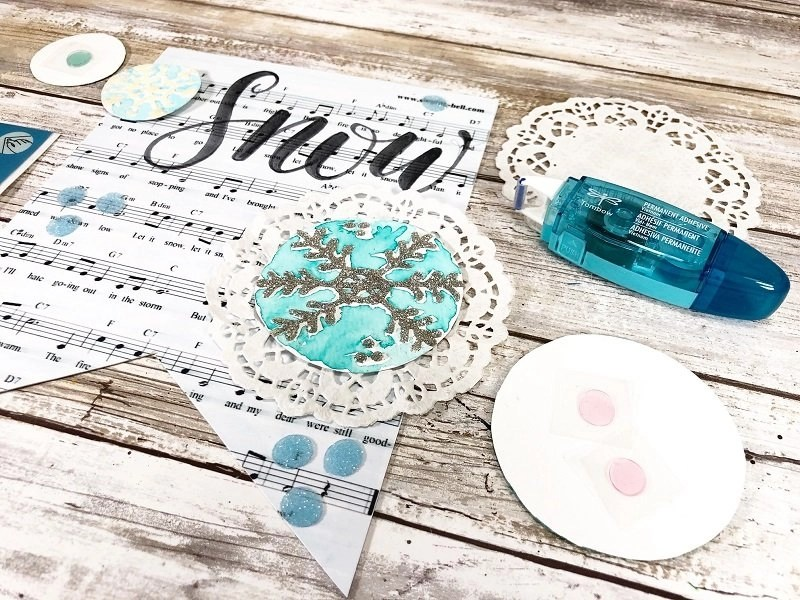 Assemble each section of the banner Creatively Beth #creativelybeth #tombow #handlettered #glitter #banner #adhesives