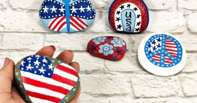 Easy Patriotic Painted Rocks with DecoArt by Creatively Beth #creativelybeth #paintedrocks #patriotic #rockpainting #decoartprojects