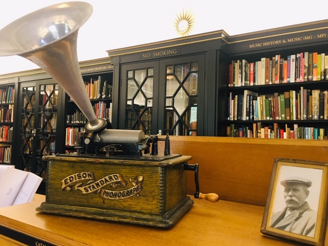 Cecil Sharpe house library