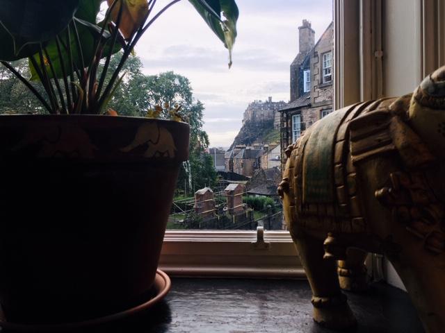 a view to Edinburgh Castle