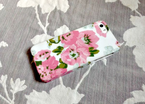Sweet & Simple DIY Phone Case Tutorial! #diy #iphone #florals #washi