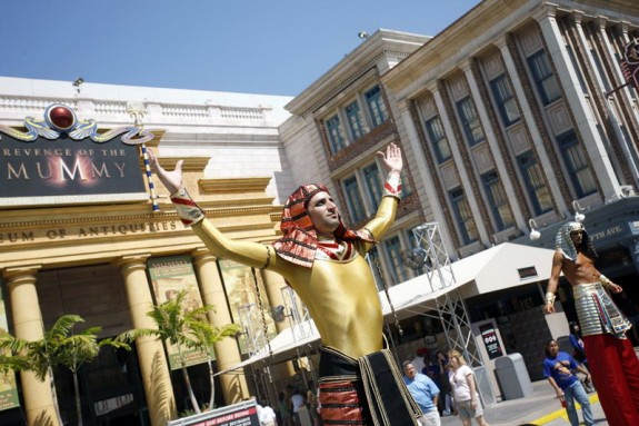 At Universal Studios in Orlando, Daniel Seddiqui walked on stilts as an entertainer for the Revenge of the Mummy ride.