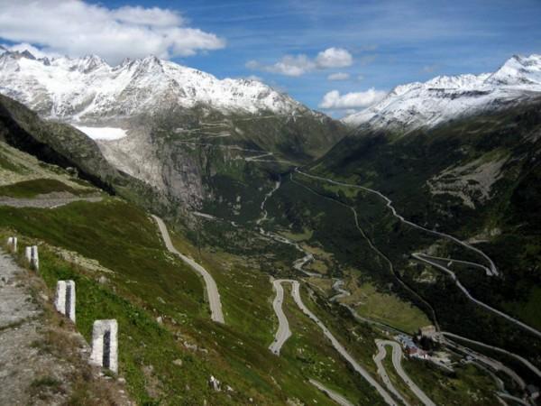 beautiful-roads-around-the-world-16
