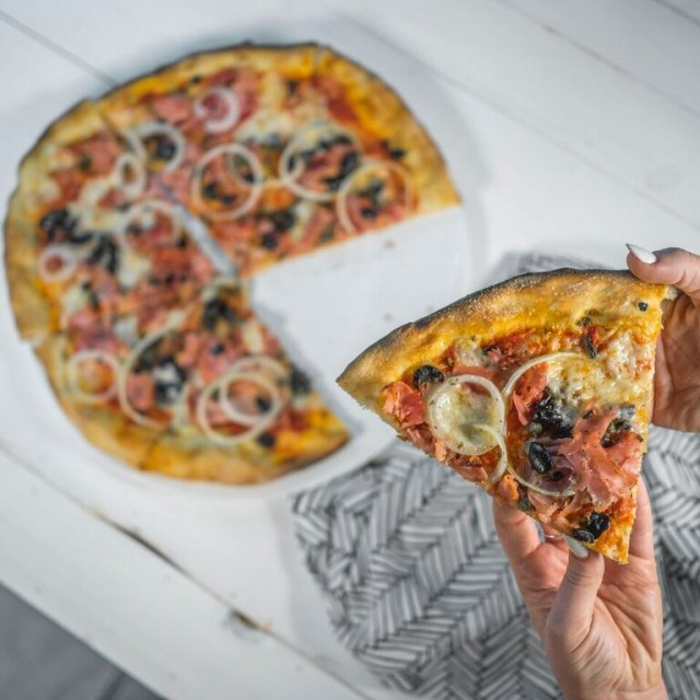 Lomardos Pizza Vancouver BC