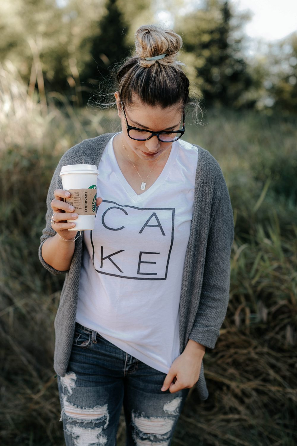 Casual Mom Style // Coffee and a Graphic Tee