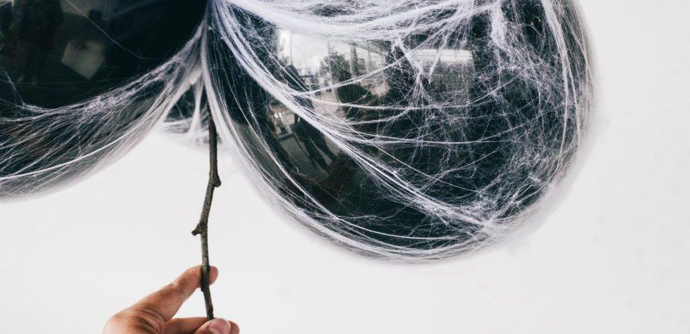 DIY Spooky Spiderweb Balloons