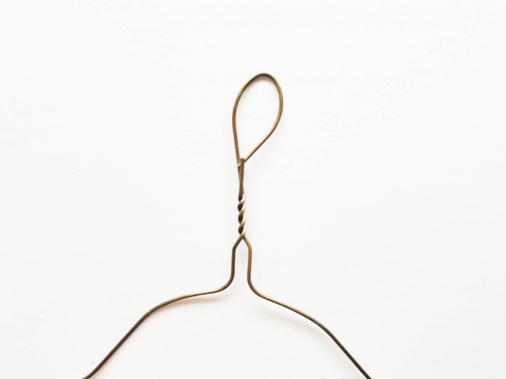 DIY Easy Hanger Craft