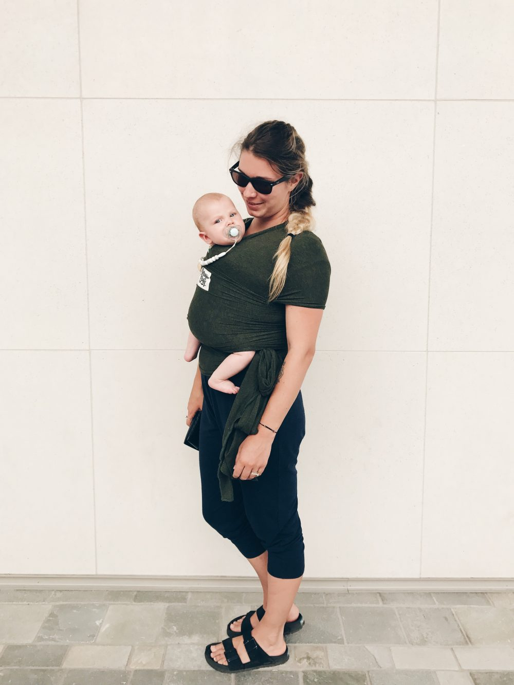 Romper and Baby Wearing Mama in Hawaii | Family Flight