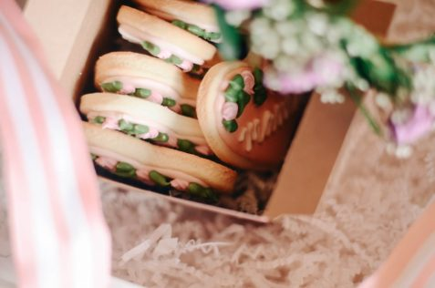 Mothers Day Gift Box Idea | Flower Crown and Mama Sugar Cookie