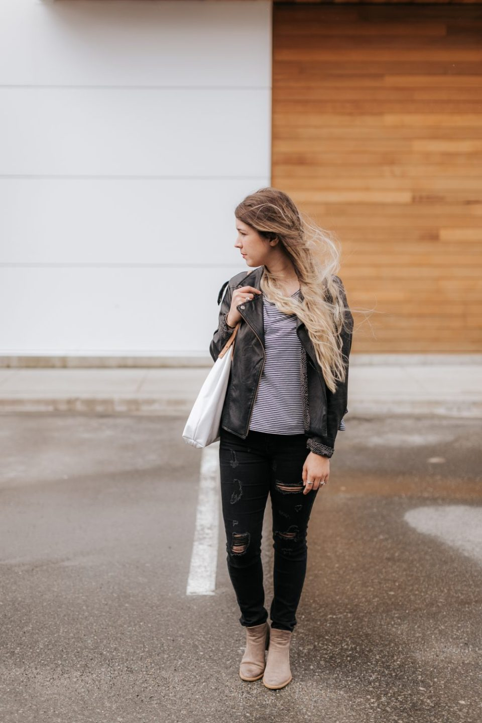 Monochrome Women's Spring Outfit Inspiration | 5 Social Media and Branding Tips
