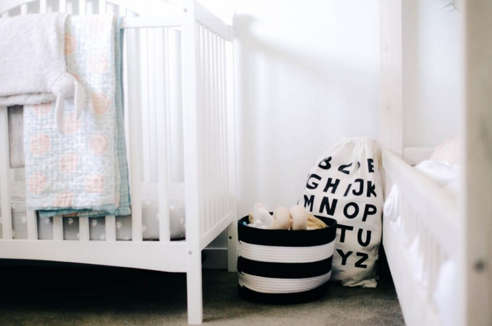 Black and White Storage Bins in Shared Girls Bedroom | Minimalist Home Decor