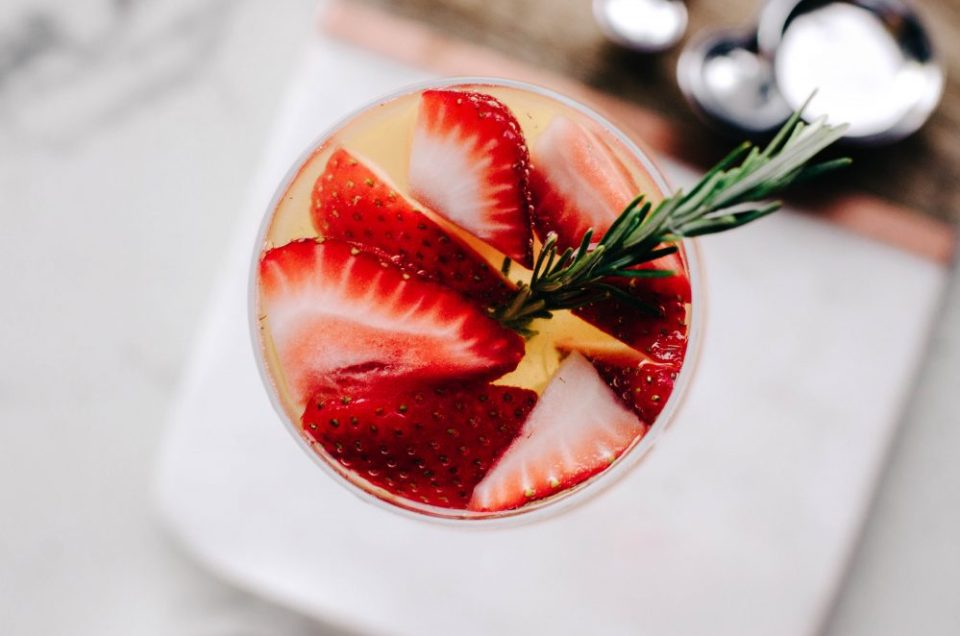 Turn any sparkling water recipe into sangris by adding wine and more berries