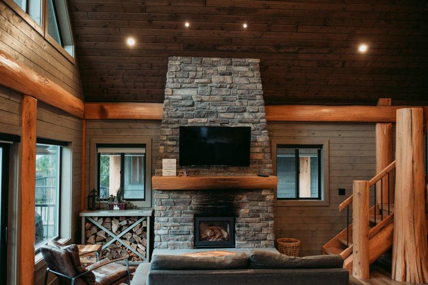 Rowena's Inn Living area in their Three Bedroom Cabin