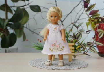 American girl mini Julia