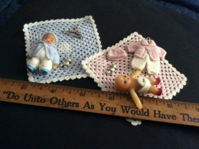 """<img src=""""miniature baby doll clothes"""" alt=""""2 inches dolls"""" />"""