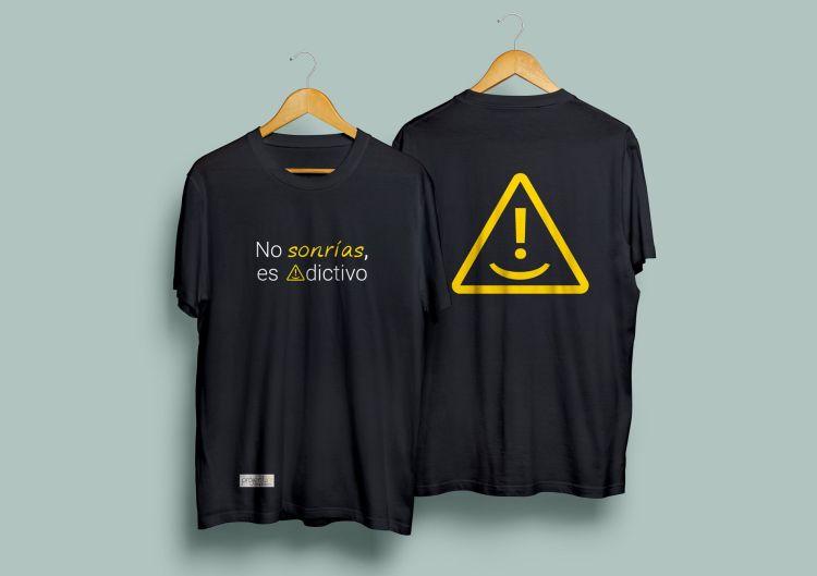 camiseta marketing directo #adiccionpositiva no sonrias concieciacion