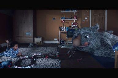 creatividad de navidad de john lewis el monstruo