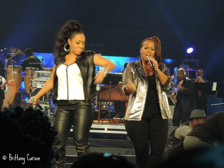 Mary Mary are a powerful duo in person. They have the ability to trigger a jubilant praise to God as soon as they open their mouth. You just have to dance and sing along whenever they are on the stage.